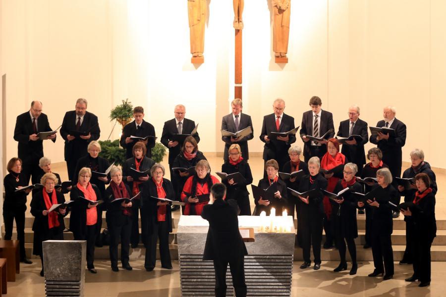 Weihnachtskonzert des Madrigalchores in der Kirche Hl. Familie Speckhorn